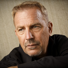 Kevin Costner alla NASA