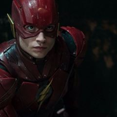 The Flash: Ezra Miller scrive il film