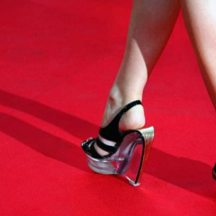 Cannes: guerra alle ballerine sul red carpet
